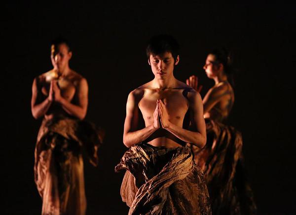 """Kun-Yang Lin/Dancers, """"Mandala Project."""" Photo by Bill Hebert (BHPhotos)."""