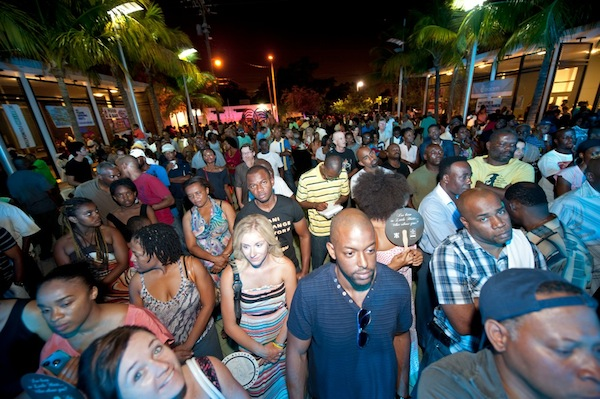 A big crowd gathered in the plaza for the show. Photo Luis Olazabal
