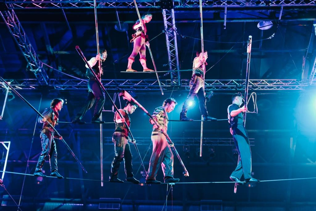 High wire. Photo by Bill Raab, courtesy of Circus Juventas.