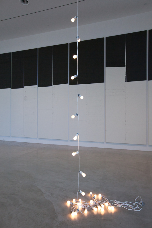 Gonzalez-Torres light sculpture on ground floor at the de la Cruz Collection